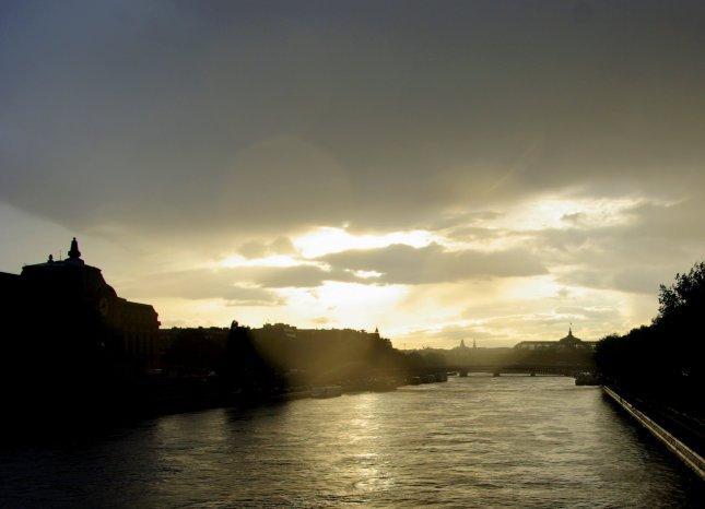 Enough cold and rain - Parisdaily